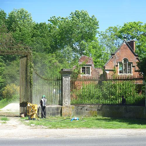 Initiatives77 - Sablage des grilles et du portail