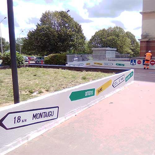Initiatives77 - Peinture décorative sur les murets de la piste