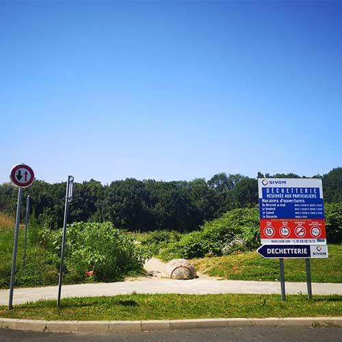 Initiatives77 - Entrée de la zone de la Couture (Crédit photo : Mairie Combs-la-Ville - Juillet 2021 )