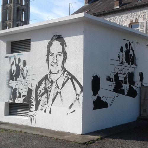 Initiatives77 - Réalisation d'une fresque en mémoire d'un instituteur de Château-Landon (après)