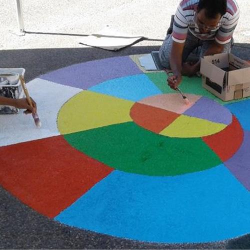 Initiatives77 - Réalisation de peinture au sol dans la cour d'école (escargot compteur)