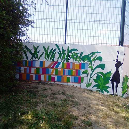 Initiatives77 - Réalisation de la fresque sur les murs de l'école